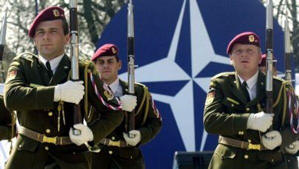 Slovenští vojáci NATO - Sputnik Česká republika