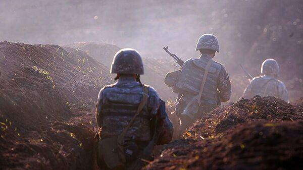 Válečné aktivity na hranici mezi Arménií a Ázerbájdžánem - Sputnik Česká republika