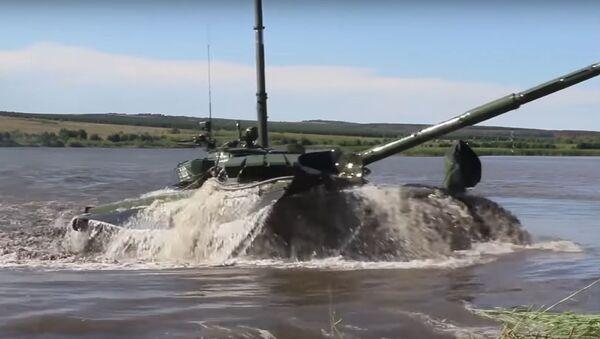 """Ruský tank T-72B3 se změnil na """"ponorku - Sputnik Česká republika"""