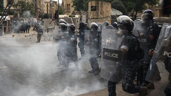 Protesty v Libanonu vstoupily do horké fáze - Sputnik Česká republika