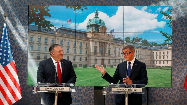 Mike Pompeo a Andrej Babiš v Praze - Sputnik Česká republika