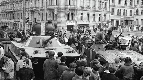 Tanky v Praze - Sputnik Česká republika