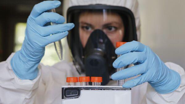 První vakcína proti koronaviru na světě - Sputnik Česká republika
