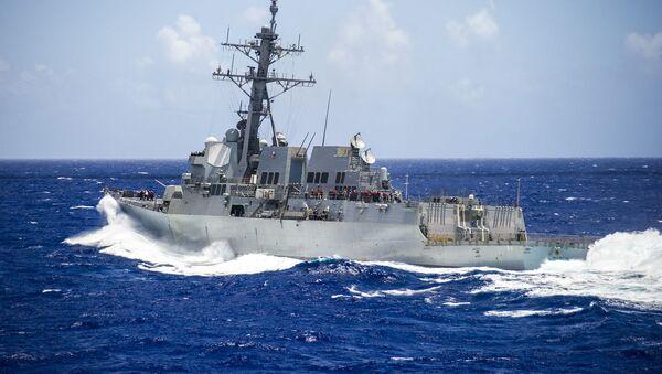 Americký torpédoborec USS Mustin (DDG-89). - Sputnik Česká republika