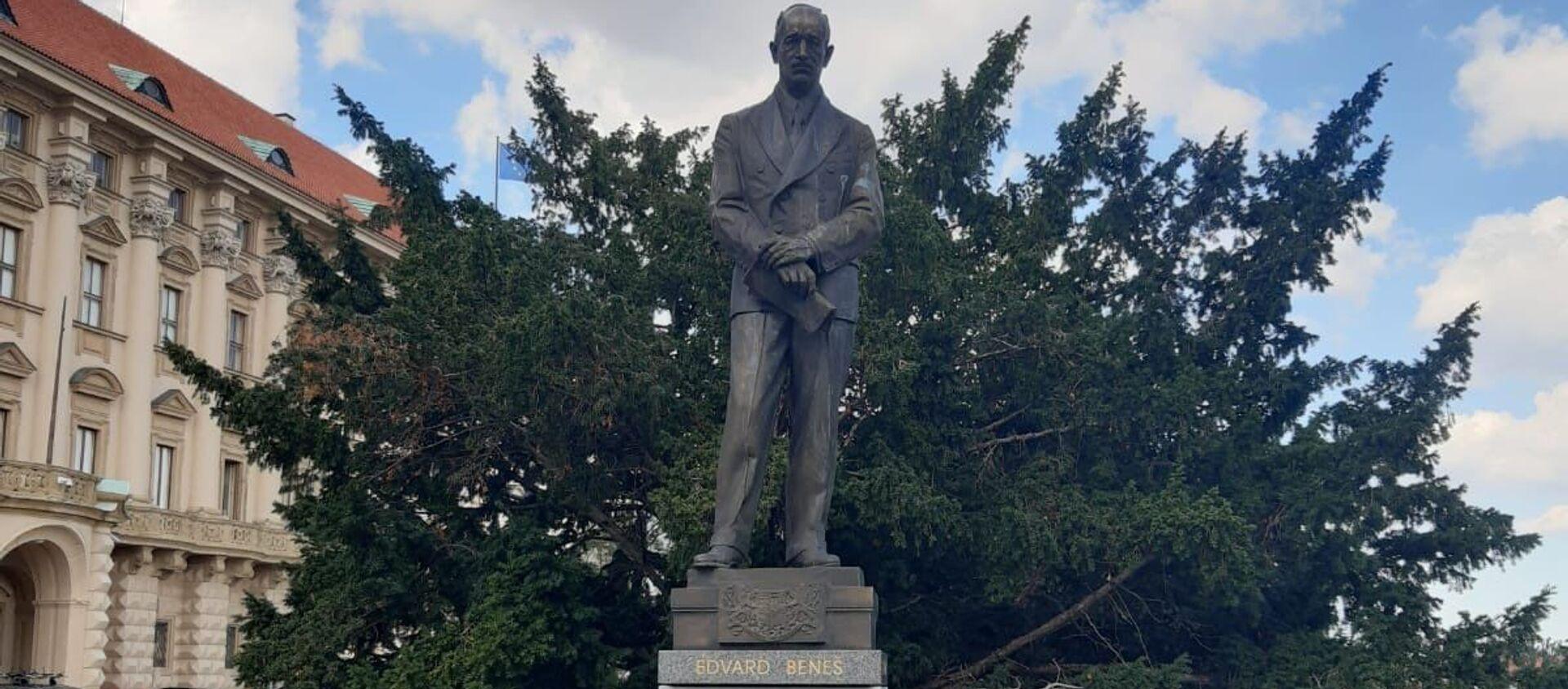 Vandalové poškodili sochu Edvarda Beneše - Sputnik Česká republika, 1920, 03.09.2020