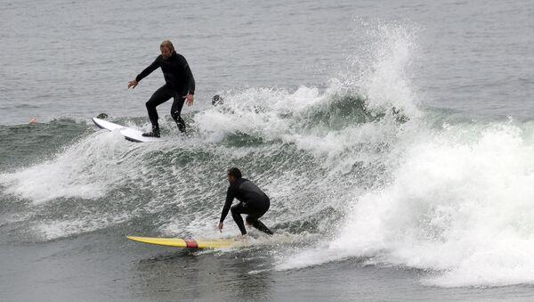 Surfaři v Kalifornii - Sputnik Česká republika