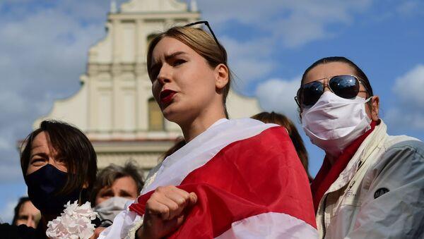 """Účastnice nepovoleného """"ženského pochodu"""". Minsk, Bělorusko (12.09.2020). - Sputnik Česká republika"""