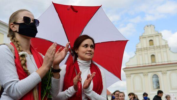 """Foto: Účastnice nepovoleného """"ženského pochodu"""" v Minsku - Sputnik Česká republika"""