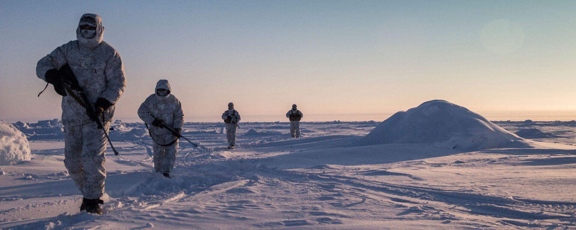 Cvičení speciálních sil Čečenské republiky v oblasti severního pólu. Illustrační foto - Sputnik Česká republika, 1920, 14.10.2021