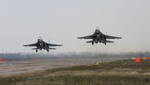 Stíhací letouny Su-27 - Sputnik Česká republika
