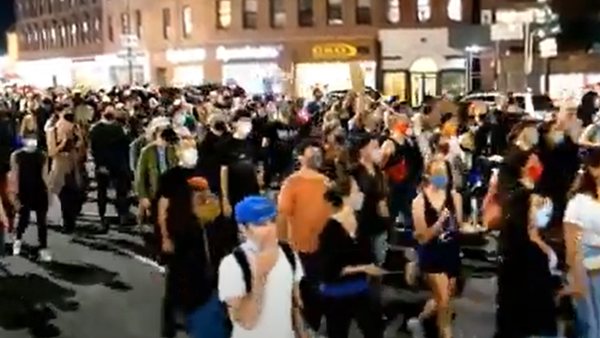 V New Yorku vypukly protesty po soudním rozhodnutí ve věci Breonny Taylor    - Sputnik Česká republika