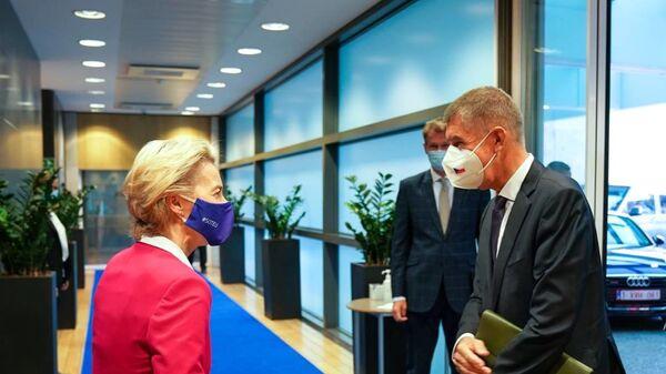 Andrej Babiš s předsedkyní Evropské komise Ursulou von der Leyenovou - Sputnik Česká republika