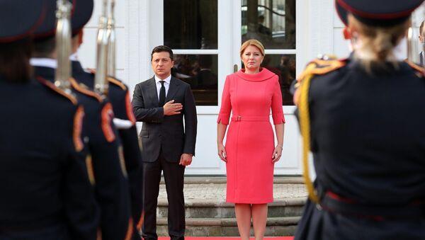 Prezidentka Slovenska Zuzana Čaputová a prezident Ukrajiny Volodymyr Zelenskyj během setkání - Sputnik Česká republika