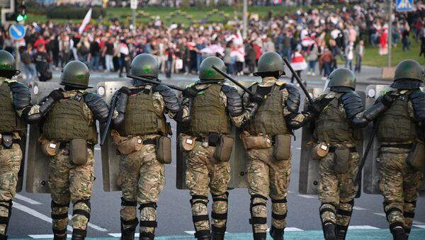 Do centra Minsku se stahují policisté - Sputnik Česká republika