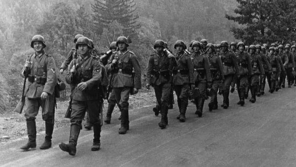 Němečtí vojáci na cestě k československé hranici. 1938 - Sputnik Česká republika
