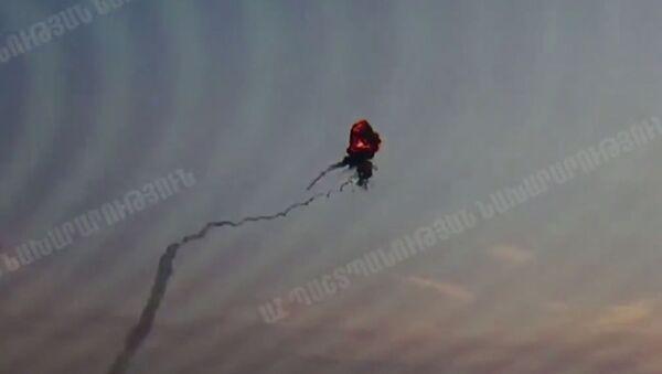 Zničení ázerbájdžánského vrtulníku v Náhorním Karabachu - Sputnik Česká republika