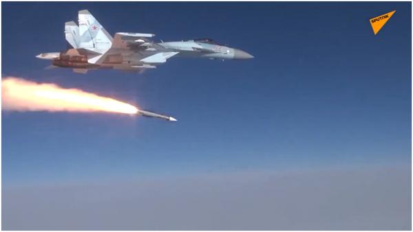 Odpálení rakety R-37M stíhačkou Su-35S bylo poprvé ukázáno na videu - Sputnik Česká republika