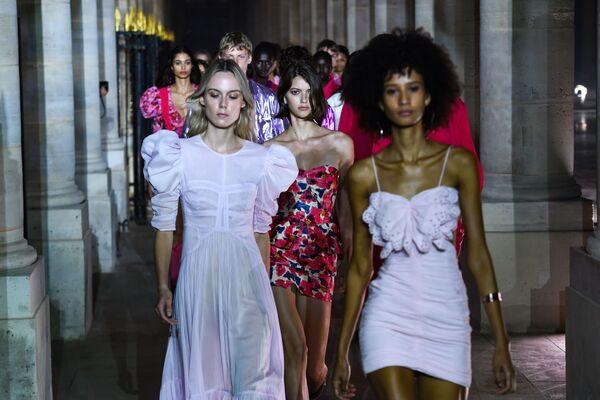 Přehlídka nové kolekce Isabel Marant během pařížského týdne módy. - Sputnik Česká republika