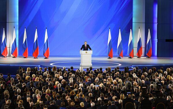 Vladimir Putin vystupuje s projevem k Federálnímu shromáždění Ruské federace. - Sputnik Česká republika