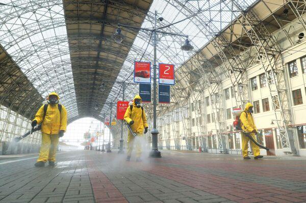 Dezinfekce na Kyjevském nádraží v Moskvě - Sputnik Česká republika