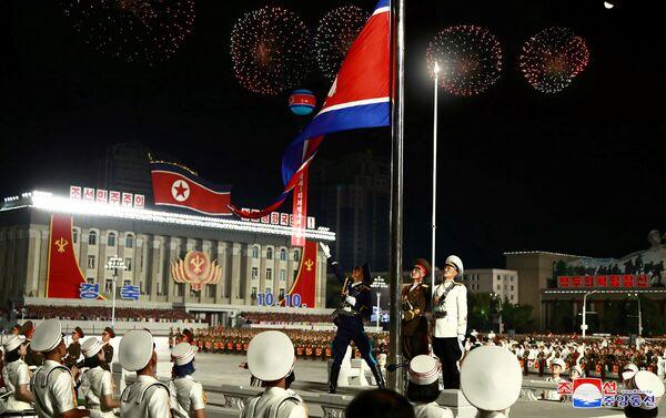 Vojenská přehlídka u příležitosti 75. výročí založení Korejské strany pracujících - Sputnik Česká republika