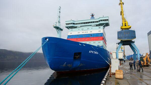 Příjezd ledoborce s jaderným pohonem Arktika do Murmansku - Sputnik Česká republika