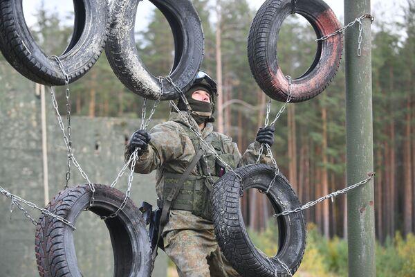 Ruský Counter-strike: Trénink specnazu Západního vojenského okruhu - Sputnik Česká republika