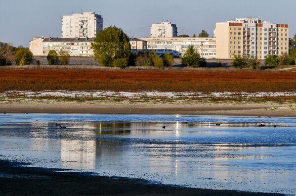 Na popraskané zemi: Bachčisarajská přehrada na Krymu - Sputnik Česká republika