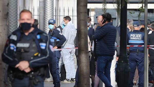 Situace po teroristickém útoku nožem u katedrály v Nice (29. 10. 2020) - Sputnik Česká republika