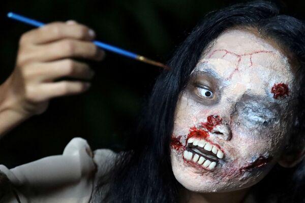 Kanitta Thongnak během Halloweenu, Bangkok - Sputnik Česká republika