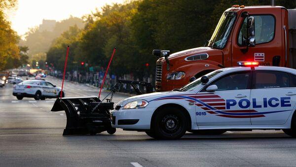 Constitution Avenue blokována policií, Washington, USA - Sputnik Česká republika