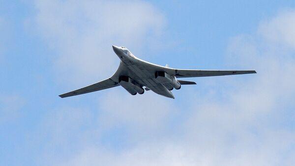 Nadzvukový strategický bombardér Tu-160 - Sputnik Česká republika