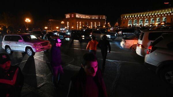 Noční protesty v Jerevanu.  - Sputnik Česká republika