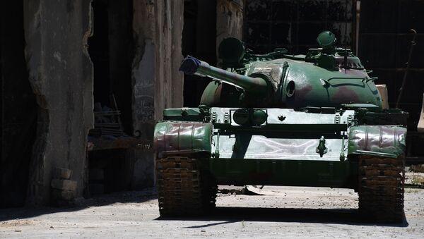 Obnovený tank T-55 na území závodu obrněné techniky v Damašku - Sputnik Česká republika