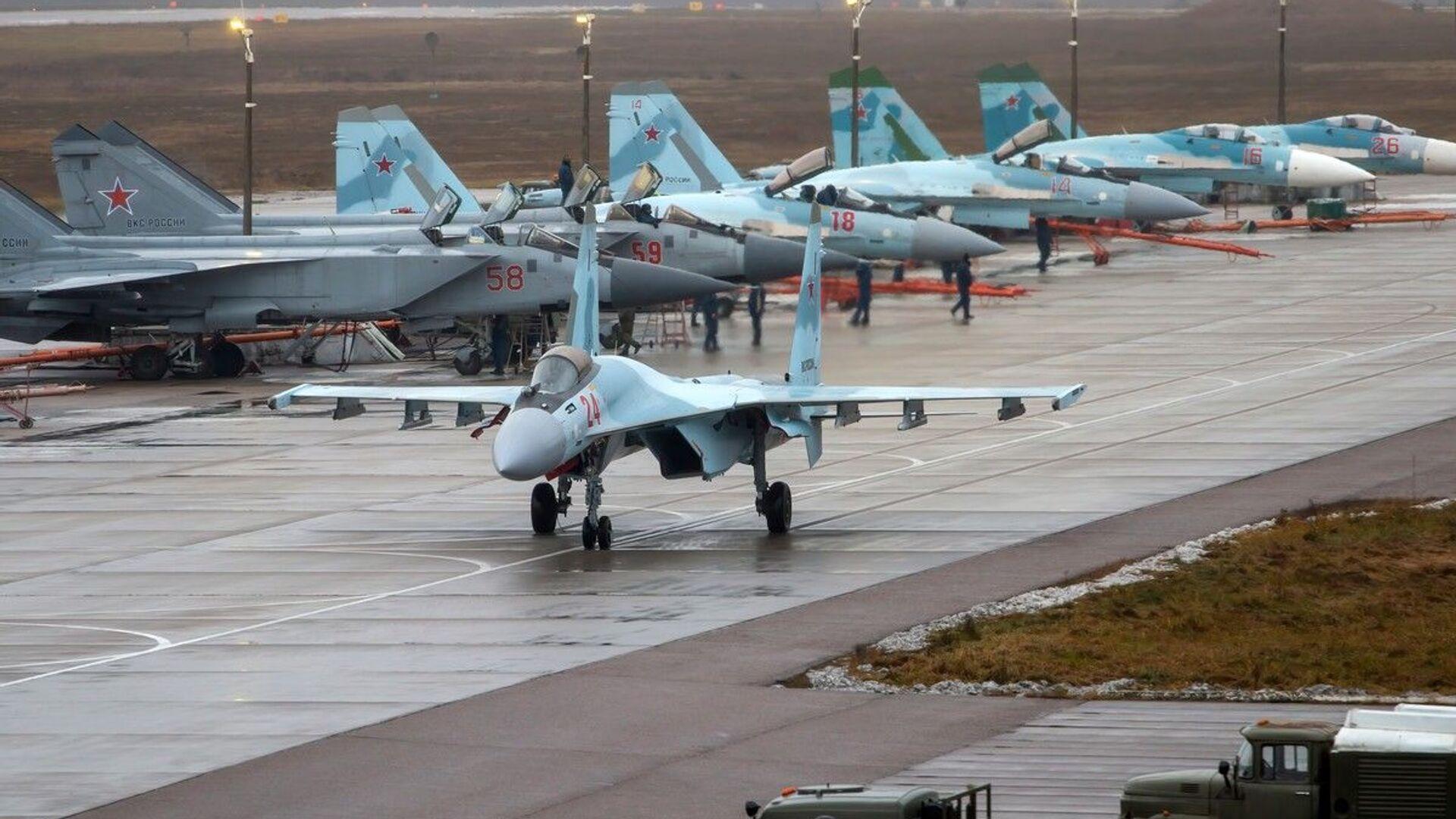 Letouny MiG-31 a Su-35 během cvičných letů v ruské Tverské oblasti - Sputnik Česká republika, 1920, 23.04.2021