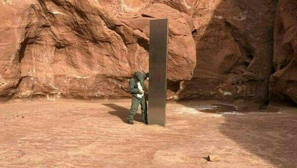 Záhadný monolit na poušti v Utahu - Sputnik Česká republika