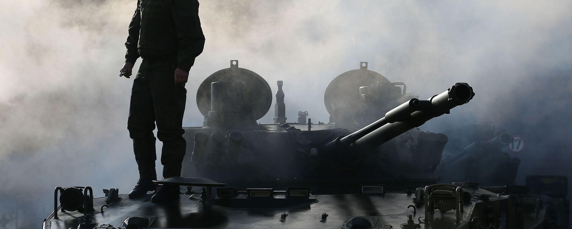 Передача боевых машин на вооружение десантно-штурмовой дивизии ВДВ - Sputnik Česká republika, 1920, 29.04.2021