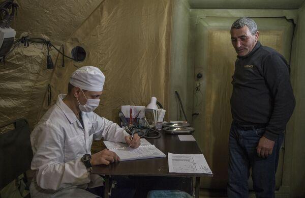 Příjem pacientů v nemocnici, která byla postavena ruským ministerstvem obrany - Sputnik Česká republika