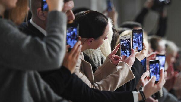 Diváci během týdnu módy v Berlíně. Ilustrační foto - Sputnik Česká republika