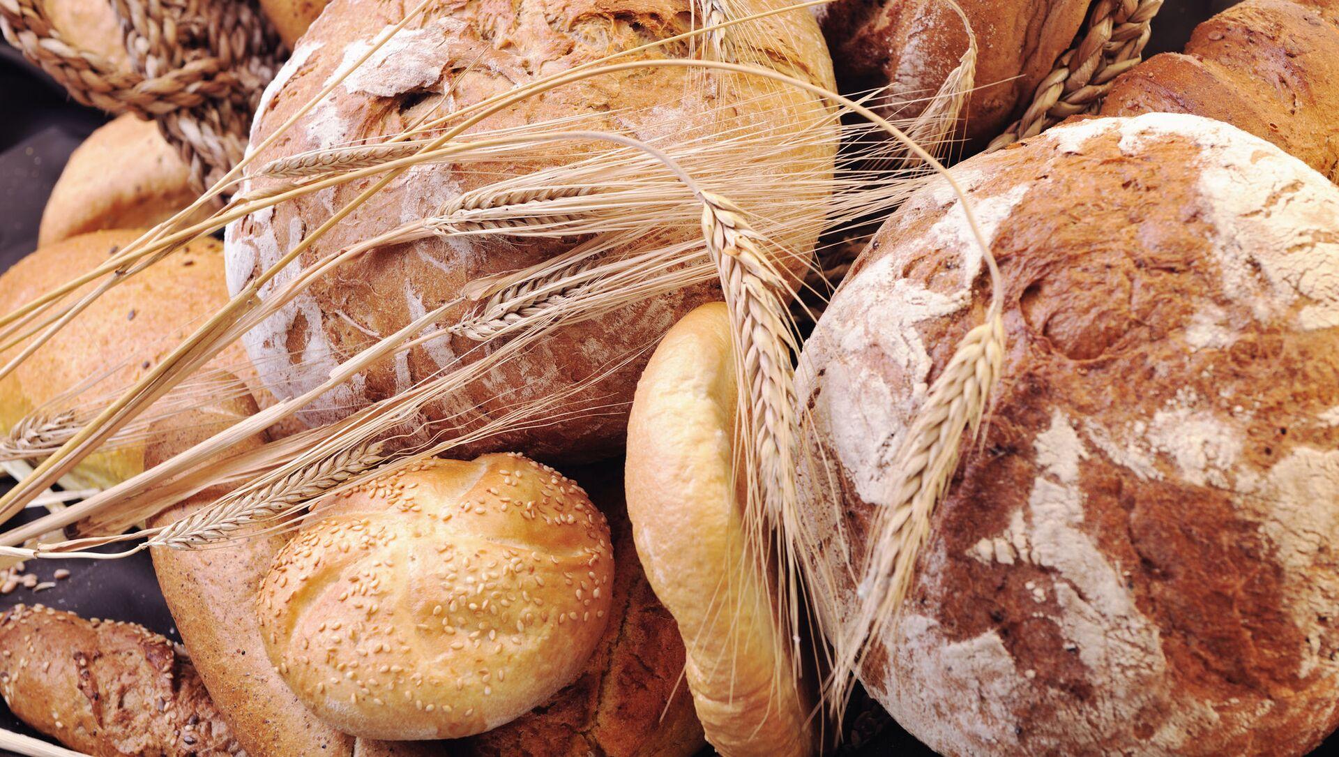 Čerstvě upečený chléb na stole - Sputnik Česká republika, 1920, 25.03.2021