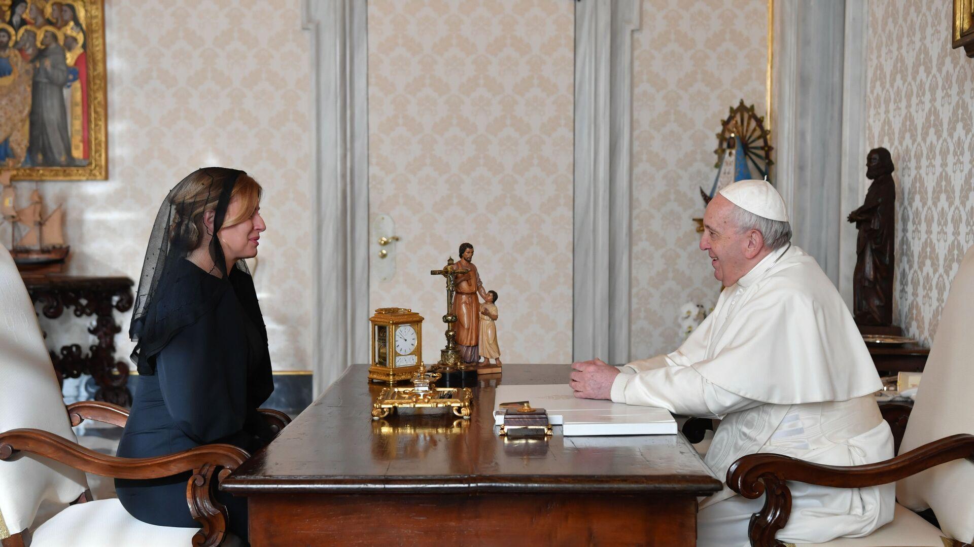 Slovenská prezidentka Zuzana Čaputová a papež František během setkání ve Vatikánu - Sputnik Česká republika, 1920, 01.08.2021