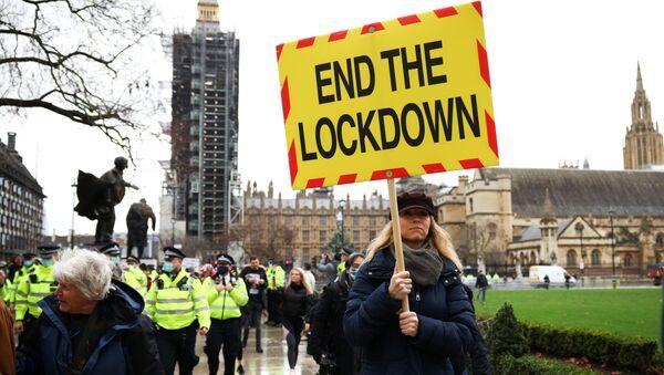 Demonstrace proti očkování a lockdownu v Londýně - Sputnik Česká republika