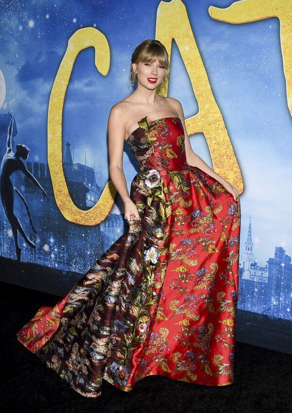 Americká zpěvačka, textařka, skladatelka a herečka Taylor Alison Swift. - Sputnik Česká republika