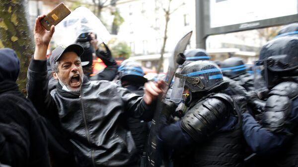Demonstrace v Paříži - Sputnik Česká republika