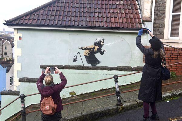 Banksyho nové graffiti - Sputnik Česká republika