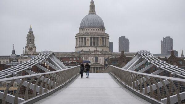 Millennium Bridge v Londýně. Ilustrační foto - Sputnik Česká republika