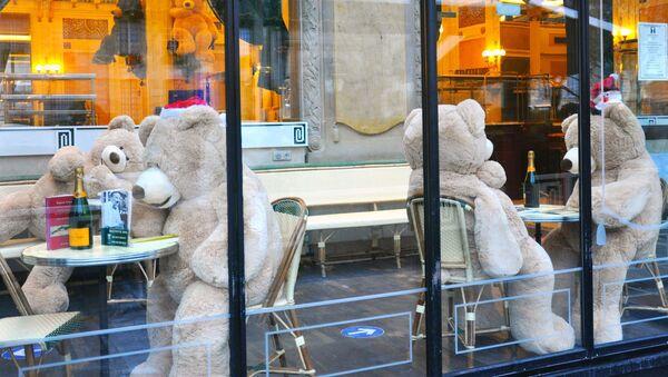 Restaurace na bulváru Saint-Germain v Paříži - Sputnik Česká republika