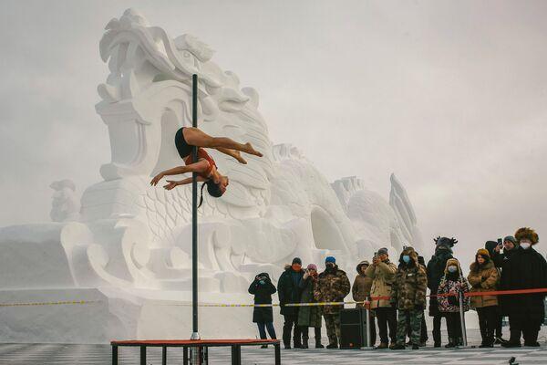 Taneční soutěž na pylonu v -30 v provincii Henglongjiang, Čína - Sputnik Česká republika