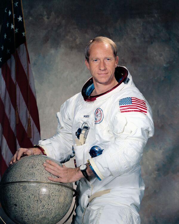 Americký vojenský letec a astronaut z projektu Apollo Alfred Worden - Sputnik Česká republika