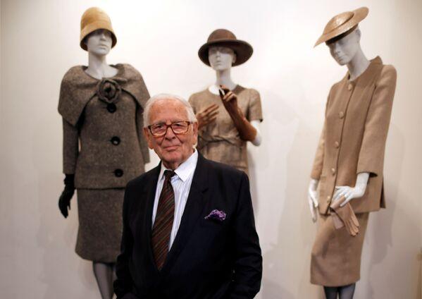 Módní návrhář Pierre Cardin. 98letý návrhář zemřel 29. prosince 2020 v nemocnici na předměstí Paříže - Sputnik Česká republika